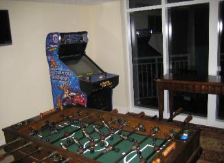 100 Game Arcade - ONLY for Guests of www.JeffsCondos.com - Actual Video Games From the 80's