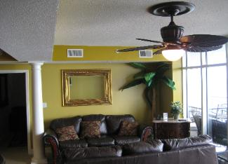 Ocean Blue Resort Myrtle Beach - Luxury Ocean Front Living Room - Myrtle Beach Beach House Rentals
